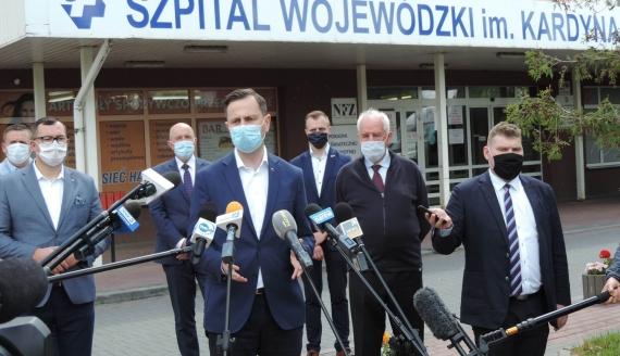 Władysław Kosiak- Kamysz zaapelował w Łomży o przywrócenie szpitalnych oddziałów, fot. Adam Dąbrowski