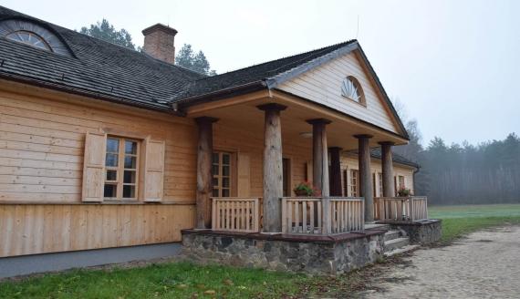 Dwór z Bobry Wielkiej, źródło: Podlaskie Muzeum Kultury Ludowej