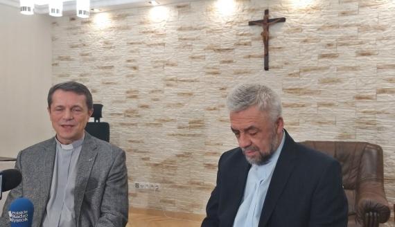 Werbiści z Kleosina zachęcają wiernych do udziału w Gorzkich Żalach, fot. Edyta Wołosik