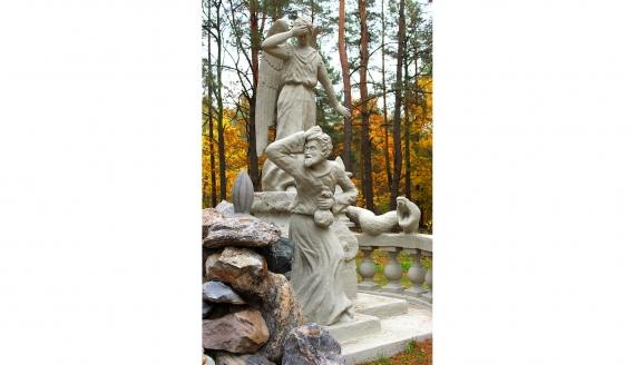 Zabytkowe pomniki na cmentarzu w Wasilkowie, fot. UM Wasilków