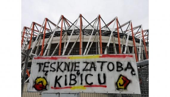 """Akcja Jagiellonii Białystok """"Tęsknię za Tobą Kibicu"""" - fot. jagiellonia.pl"""