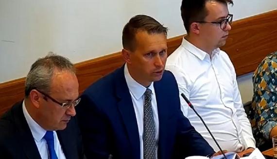Sławomir Sieczkowski (w środku), fot. Marcin Kapuściński