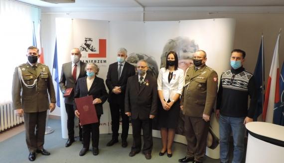 Kombatantom z rejonu łomżyńskiego przyznano odznaczenia i awanse na stopnie oficerskie, fot. Adam Dąbrowski