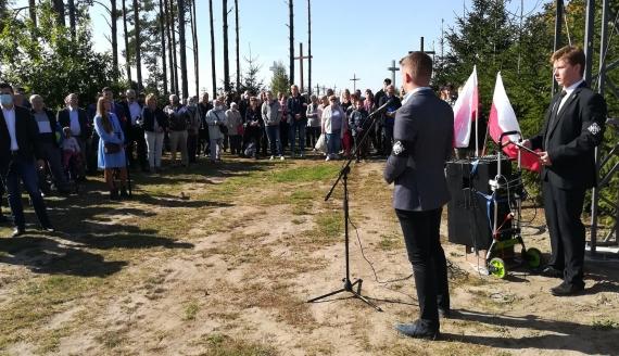 Hołd Żołnierzom Niezłomnym oddali uczestnicy uroczystości w Świętej Wodzie, fot. Michał Buraczewski
