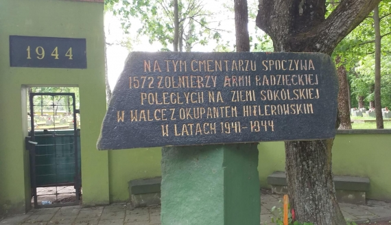 Cmentarz żołnierzy radzieckich w Sokółce, fot. Marcin Gliński