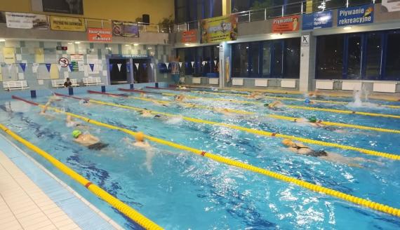 70 pływaków wzięło udział w pływackim maratonie w Białymstoku, fot. Michał Buraczewski