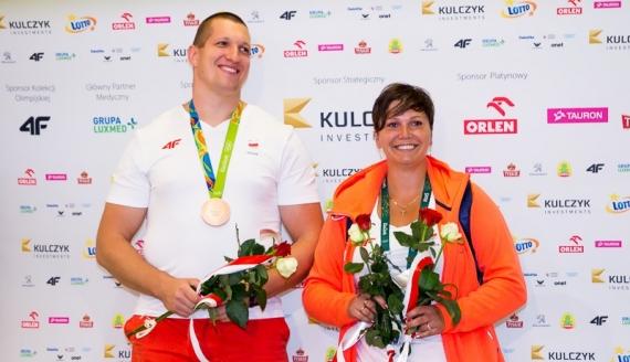 Powitanie Wojciecha Nowickiego na lotnisku w Warszawie po Igrzyskach Olimpijskich w Rio de Janeiro, 2016, fot. Joanna Żemojda