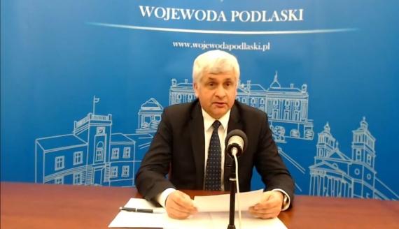 Konferencja prasowa wojewody podlaskiego Bohdana Paszkowskiego