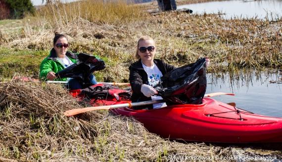 Kilkudziesięciu wolontariuszy posprzątało Dolinę Górnej Narwi i jej okolice, fot. Sylwia Krassowska