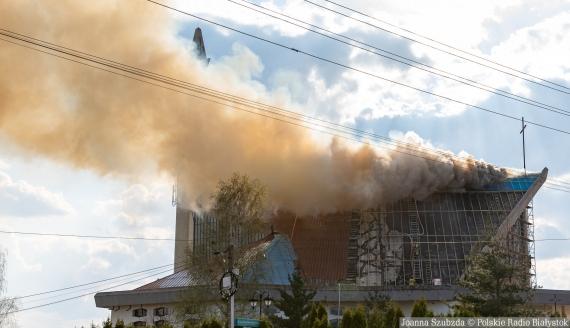 Pożar dachu kościoła pw. św. Maksymiliana Marii Kolbego w Białymstoku, fot. Joanna Szubzda