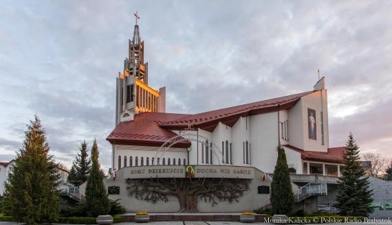 Ołtarz papieski przy Sanktuarium Miłosierdzia Bożego, fot. Monika Kalicka
