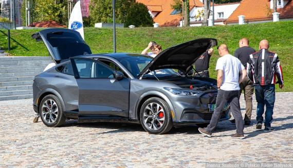 Wystawa elektromobilności w Supraślu 2021, fot. Joanna Szubzda