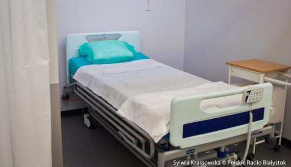 Szpital tymczasowy w hali sportowej UMB przy ul. Wołodyjowskiego, fot. Sylwia Krassowska