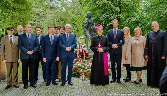 """Uroczystości upamiętniające 75. rocznicę śmierci Danuty Siedzikówny """"Inki"""" we wsi Gruszki koło Narewki, fot. Sylwia Krassowska"""