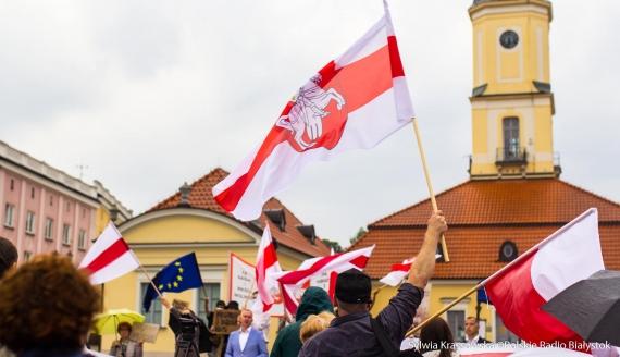 """Demonstracja """"Solidarni z Białorusią"""" w Białymstoku, fot. Sylwia Krassowska [Archiwum]"""