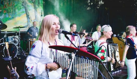 """Festiwal """"Z wiejskiego podwórza"""" w Czeremsze 2020, fot. Kamil Kalicki"""