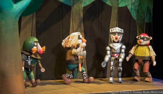 """""""Baśń o Rycerzu bez konia"""" w Białostockim Teatrze Lalek, fot. Monika Kalicka"""