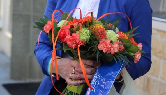 Pierwsza upominki otrzymała pani Monika, fot. Marcin Gliński