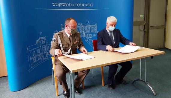 płk. Sławomir Kocanowski i Bohdan Paszkowski, fot. Wojciech Szubzda