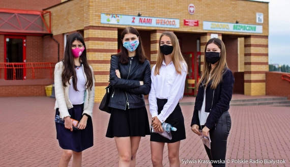 Rozpoczęły się egzaminy uczniów ósmych klas szkół podstawowych, fot. Sylwia Krassowska