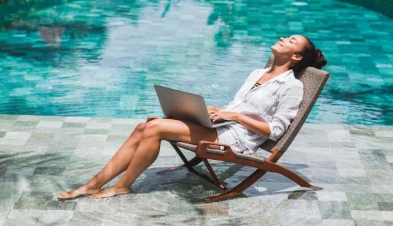 Pracuj i podróżuj, czyli jak odpoczywać na własnej działalności