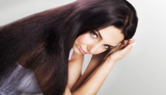 Laminowanie włosów - zabieg lśniących i nawilżonych włosów