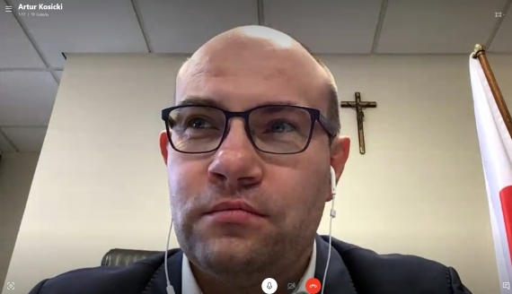 Artur Kosicki (Skype)