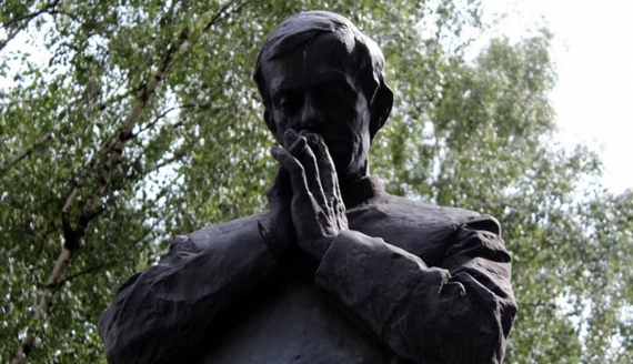 Pomnik ks. Jerzego Popiełuszki w Białymstoku, fot. Katarzyna Cichoń
